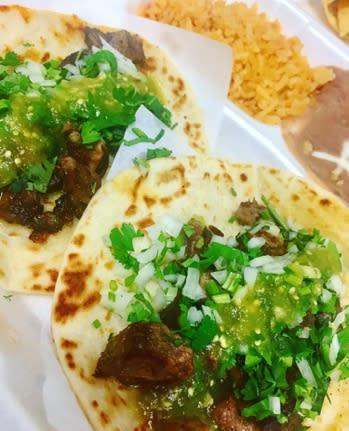 Los Portales tacos
