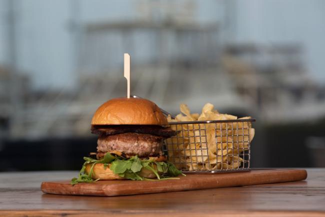 Saltwater-Burger-1024x682