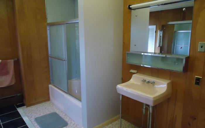 Spacious original second floor bath, Albert Gallatin Room, Fox Castle Bed and Breakfast