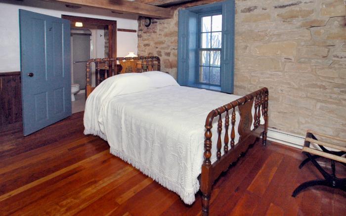 Farmhouse Room 4