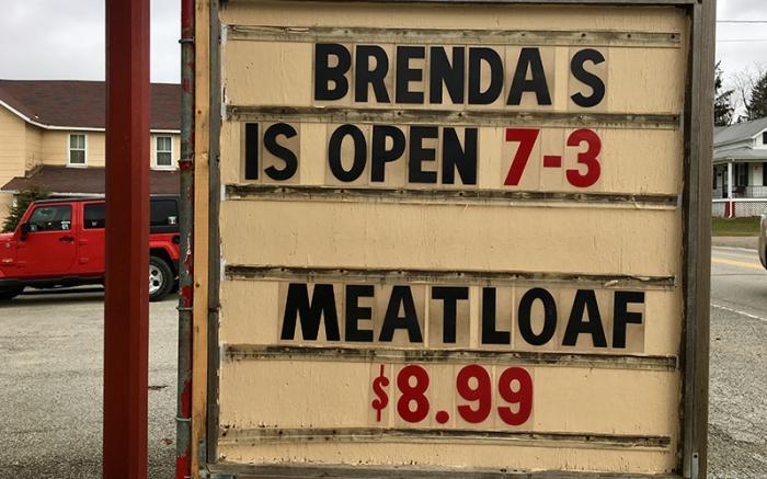 Brenda's Family Restaurant sign