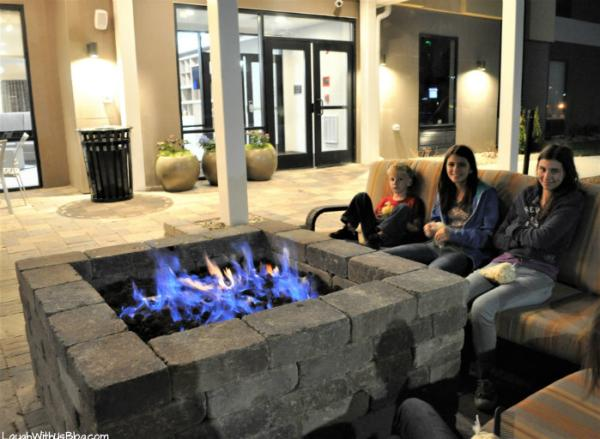 Home2 Suites Merrillville fire pit