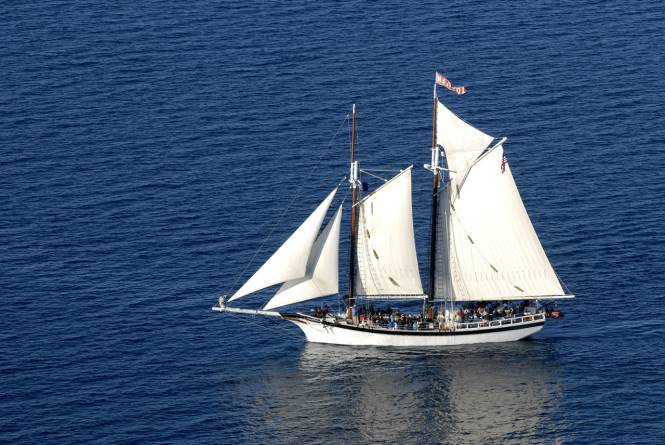 Traverse Tall Ship Company