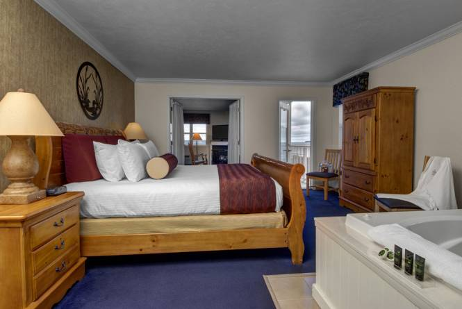 Leelanau Suite Master Bedroom