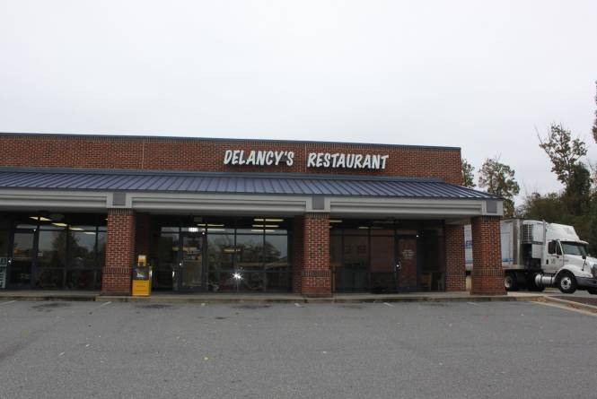 Delancys-Restaurant-1.jpg