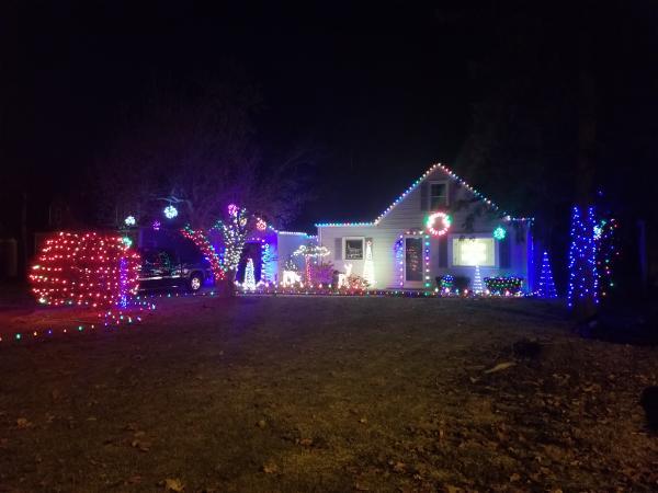 5320 E State - Best Christmas Light Displays - EAST - Fort Wayne
