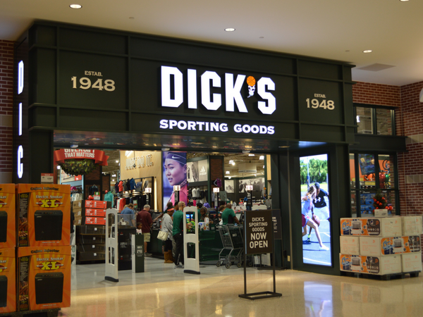 Dick-s-Sporting-Goods-at-First-Colony-Mall