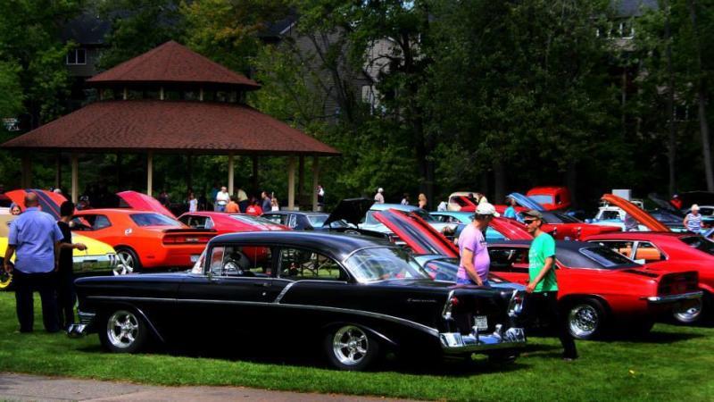DeWitt Ox Roast Car show