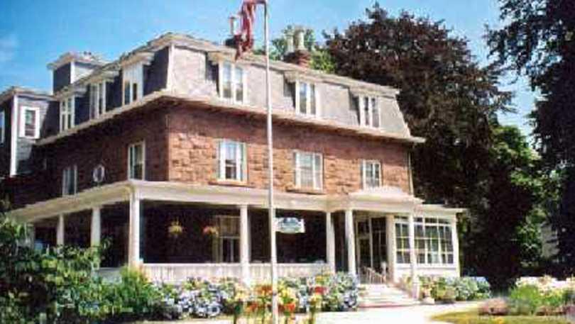 Stella Maris Inn