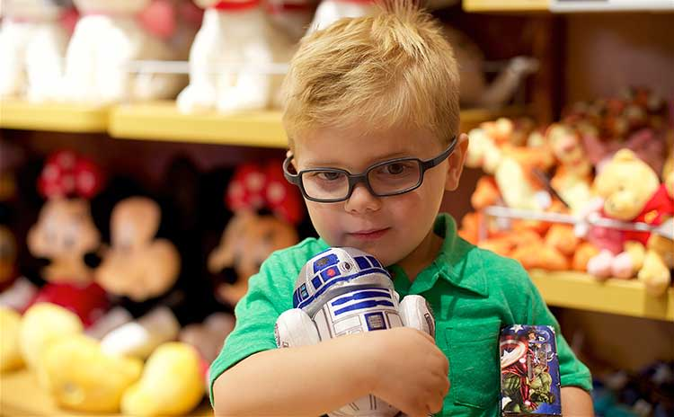 Christmas-Shopping-at-The-Disney-Store-in-The-Oak-Park-Mall-in-Overland-Park