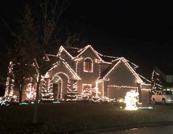 14715 Pioneer Creek Ct. Christmas Lights Display in Fort Wayne, Indiana