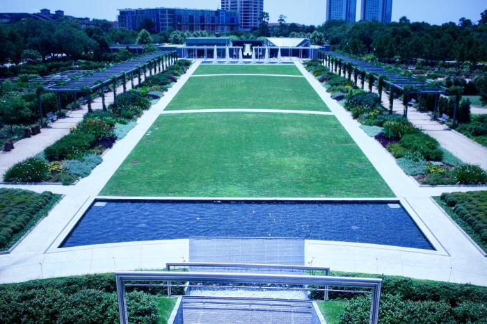 McGovern Centennial Gardens 2 - Yo Mariana