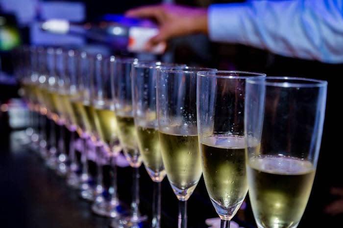 Moms Food & Wine Bar Champagne