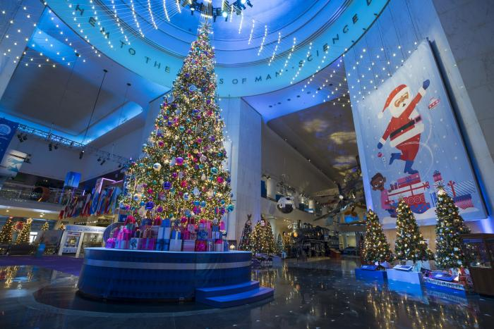 13 Spots in Chicago for Christmas Lights | Holiday Displays & Events