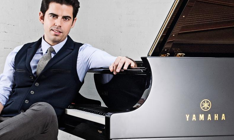 Tony DeSare: I Love a Piano