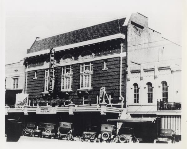 historic Paramount Theatre exterior on Congress Avenue after 1925