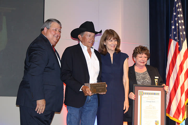 George Strait accepting the 2018 Texan of the Year Award