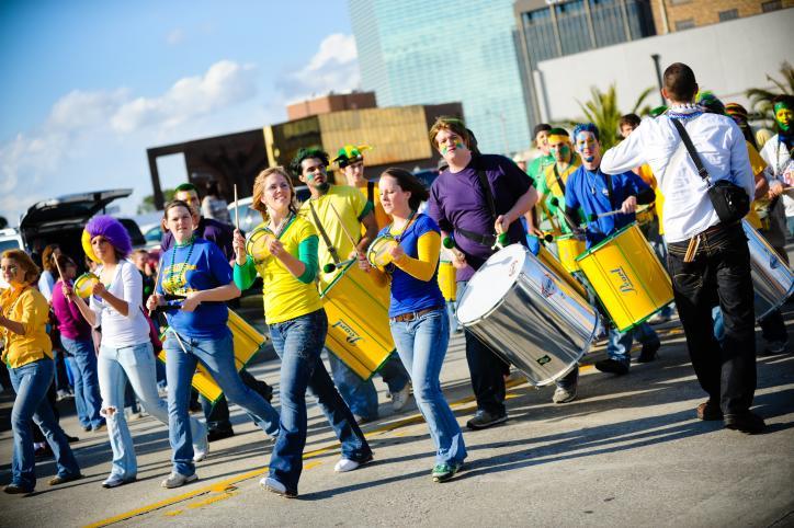 Walking Parade - Mardi Gras