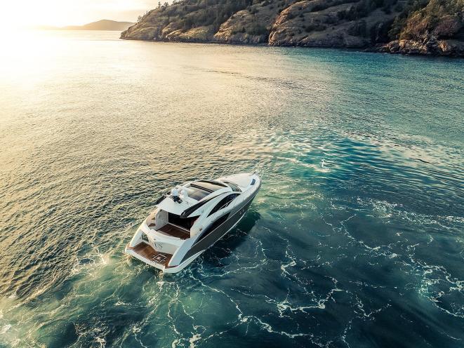 Motor Yacht Opus