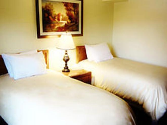 Twin beds in Standard