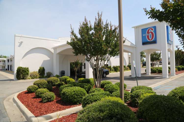 Motel 6 Decatur front
