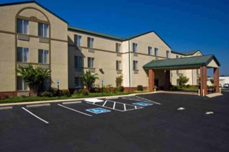 russellville_hotel__suites.jpg