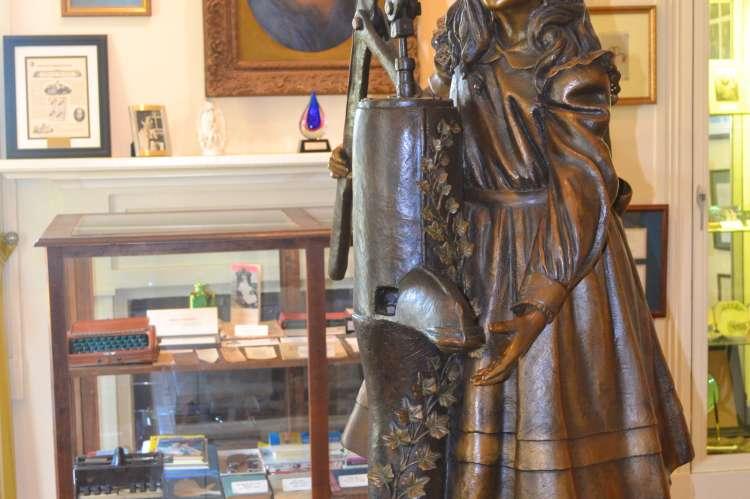 Statue of Helen