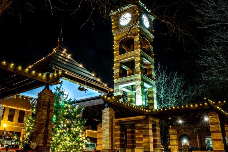 Downtown-Overland-Park-Christmas-Tree