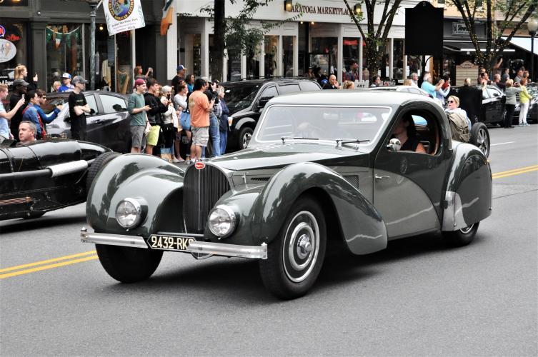 Bugatti parade 1