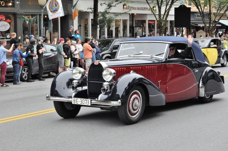 Bugatti parade 5 maroon and black