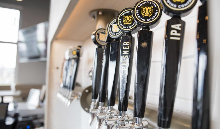 young-lion-brewery-canandaigua-tap-handles