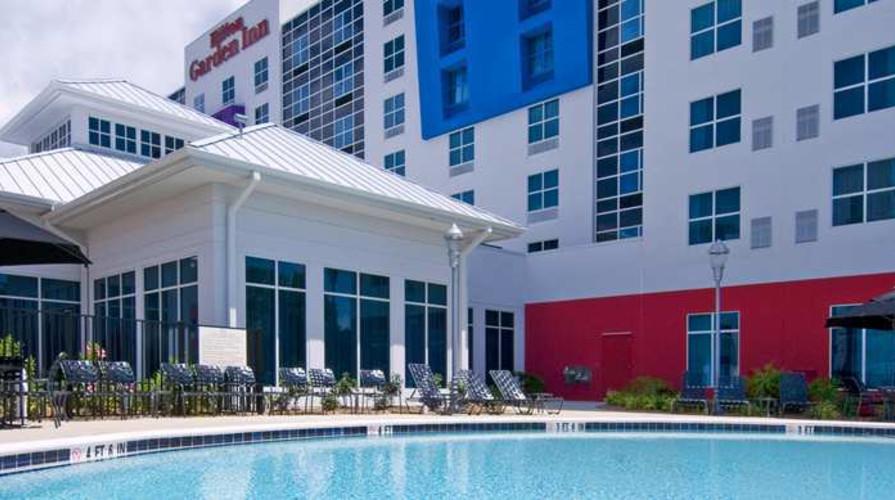 Hotel by Tampa Airport Hilton Garden Inn Westshore Pool.jpg