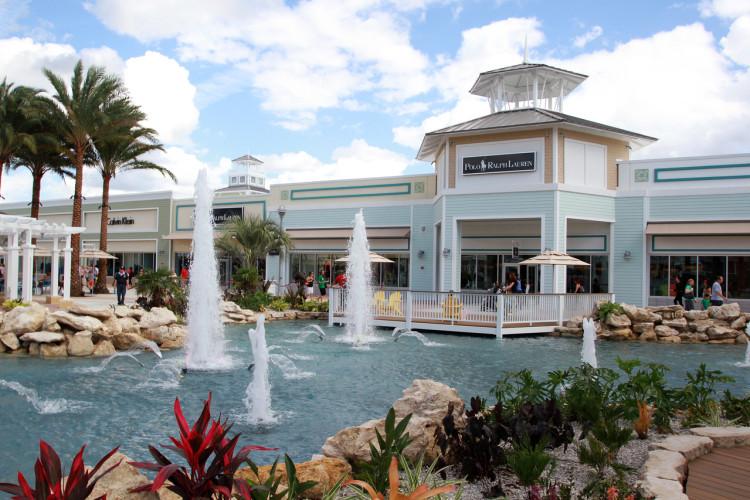 lagoon court