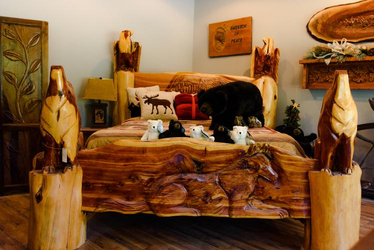 Woodworker Bed Four Oaks