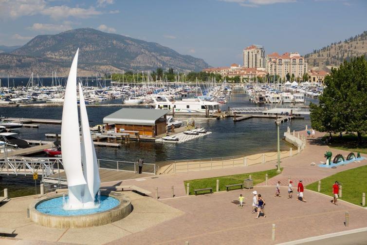 Downtown Sails Statue