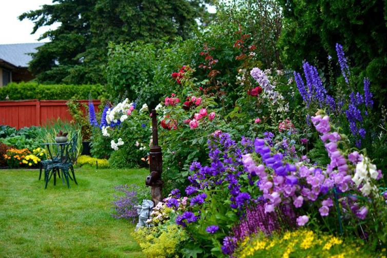 Gardens of Kelowna (Flower Power Event)