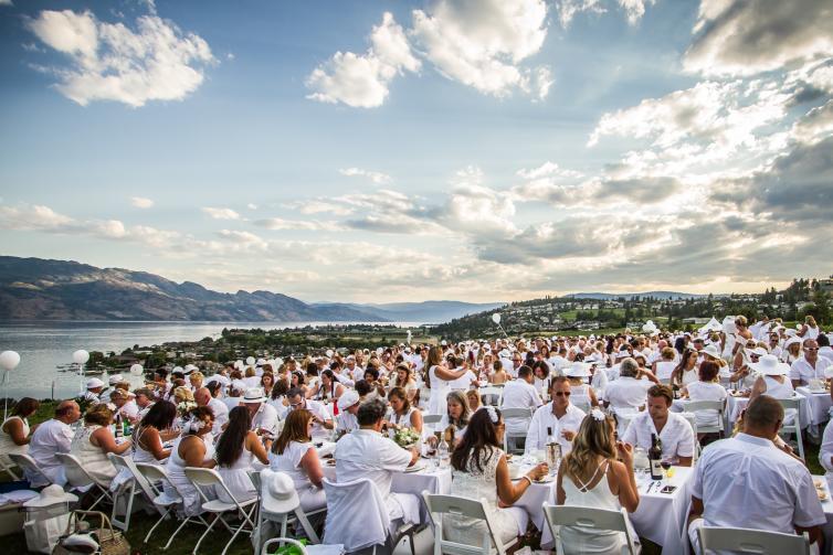 Diner en Blanc - Quails Gate 2017