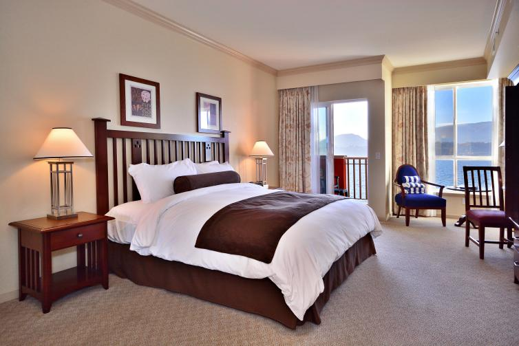 Deluxe Guestroom - Lakeside, 1 King Bed