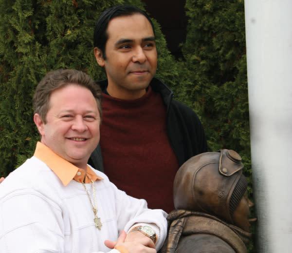 Flick Statue Scott Schwartz and Oscar Leon