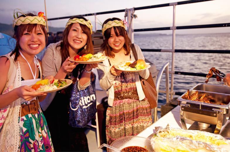 BIG Sunset Dinner Cruise 10