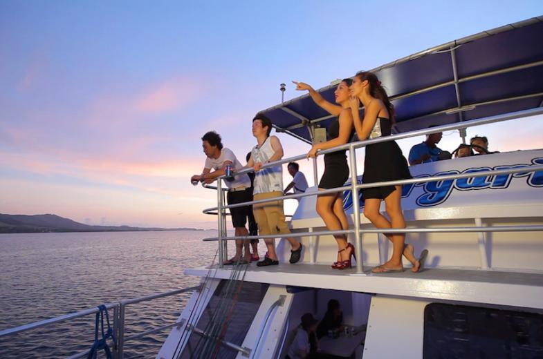 BIG Sunset Dinner Cruise 6