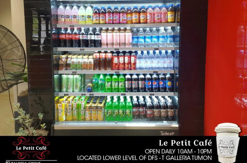 La Petit Cafe pic 2