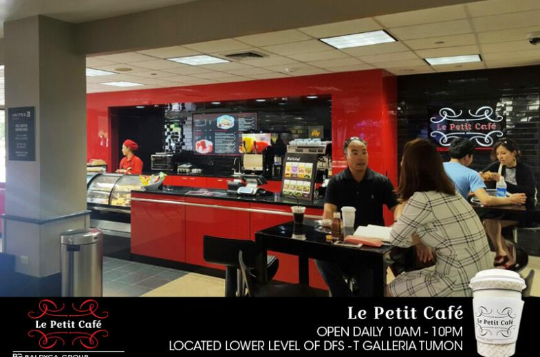 La Petit Cafe pic 8
