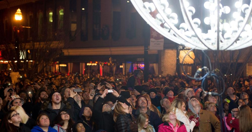 Modern Day New Year's Eve Ball Drop photo credit Knoxville News Sentinel