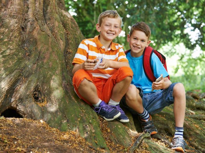 Children Geocaching in Baytown, TX