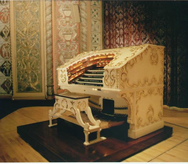 Grande Page Pipe Organ