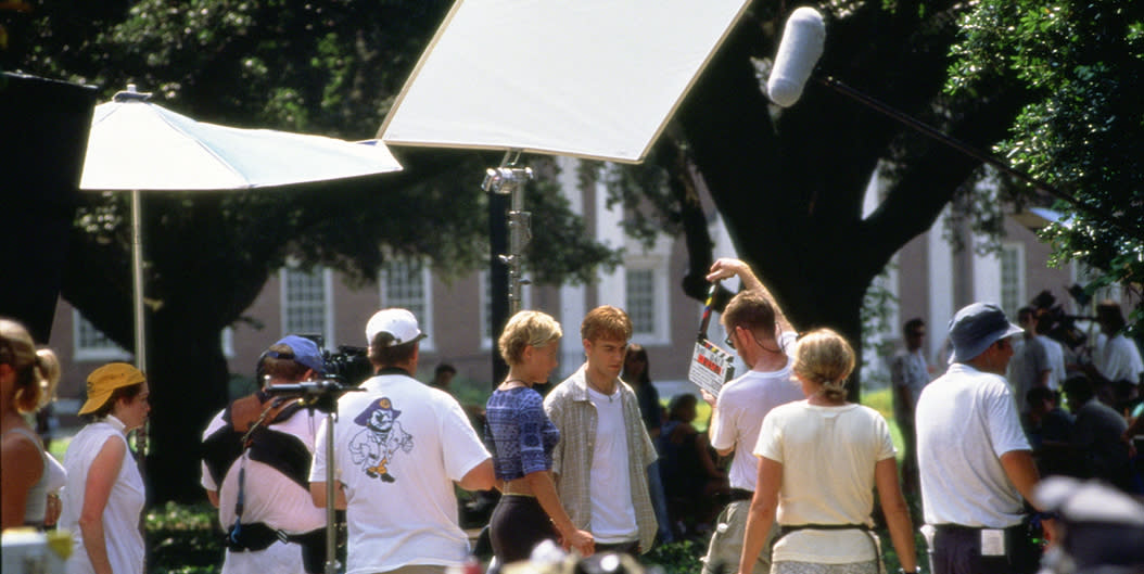 Michelle Williams and James Van Der Beek on set of Dawson's Creek