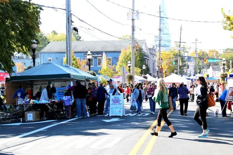 Vendors and visitors at the Hightstown Hometown Harvest Fair