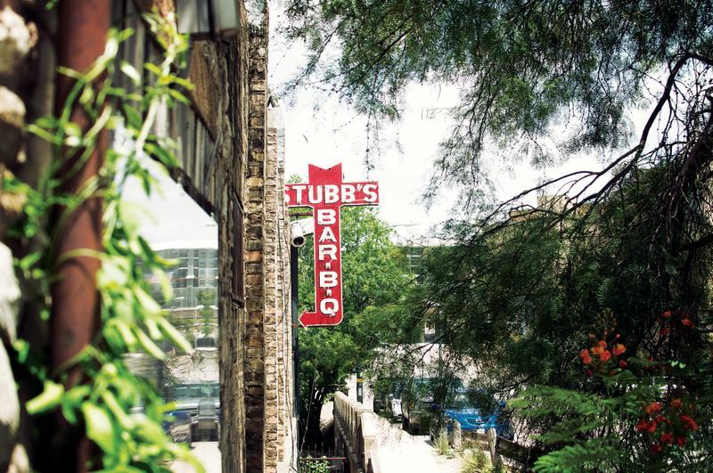 Stubb's Bar-B-Que exterior sign