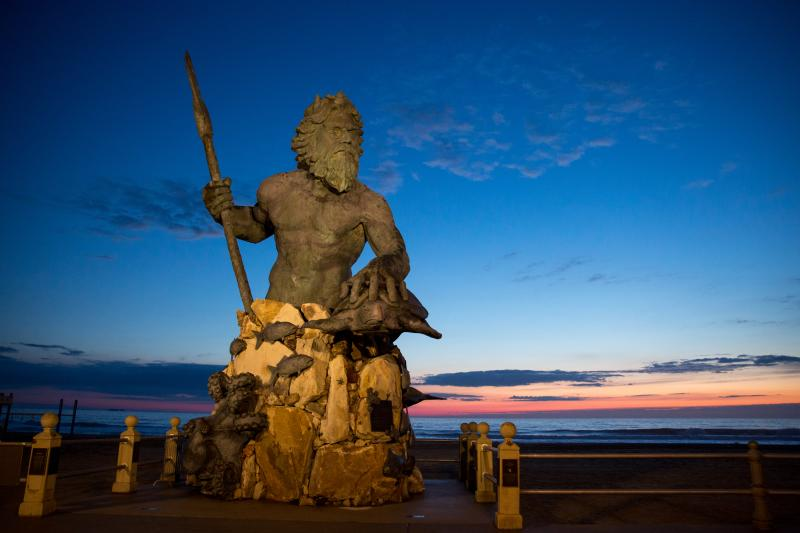 To Neptune Festival Park On 31st Street Was Created By Acclaimed Richmond Area Sculptor Paul Dipasquale Reigning Over The Virginia Beach Boardwalk